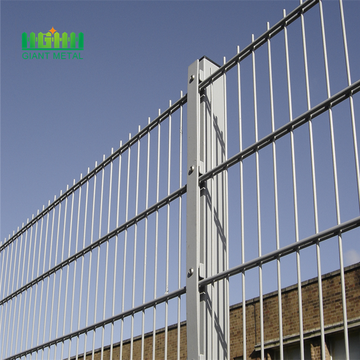 2018 hot sell products 868 welded wire mesh fence double wire fence