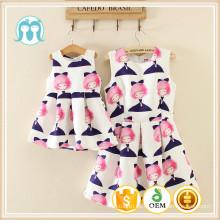 Patrones lindos venta al por mayor cómodo mamá y niños cartón a granel impresión completa diseño de moda de algodón vestido de niña de las flores