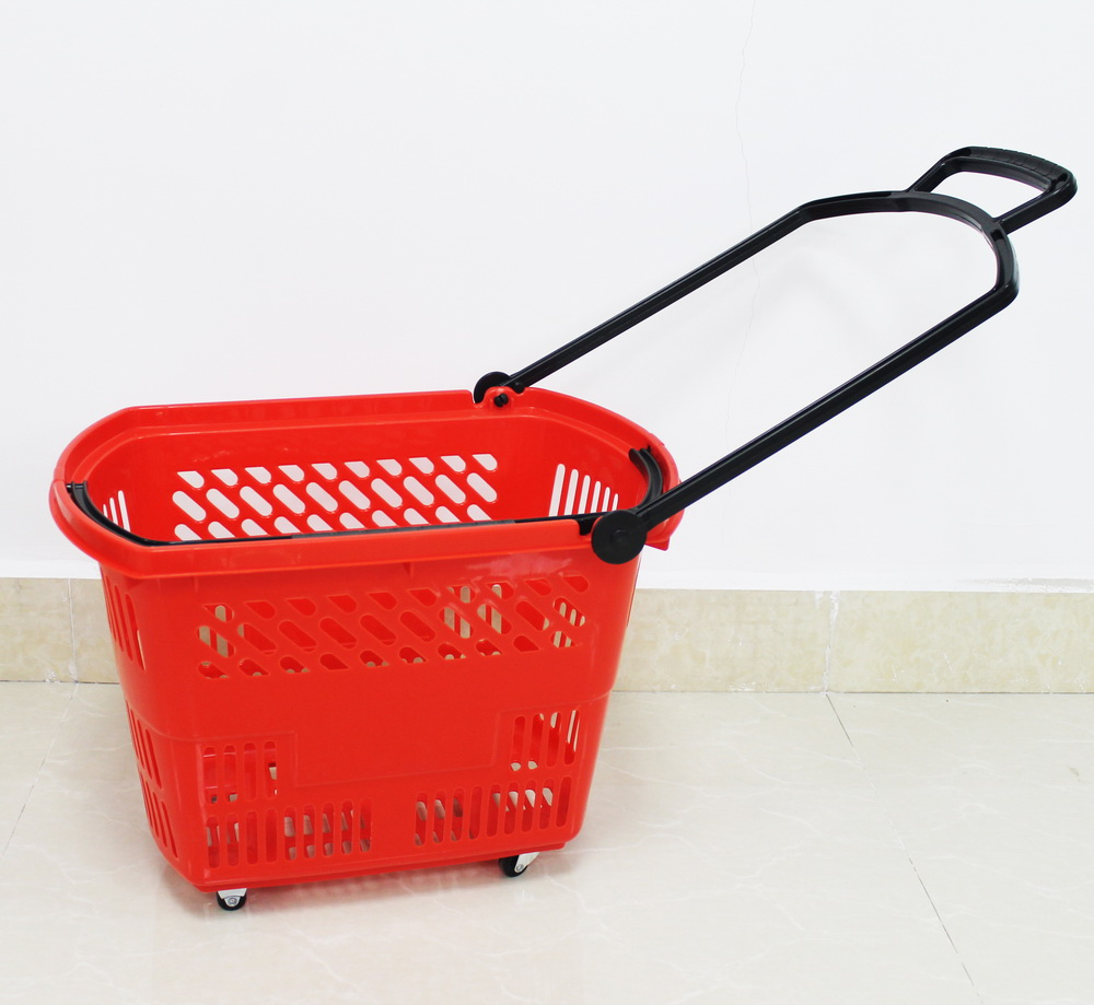 shopping basket with wheels 1