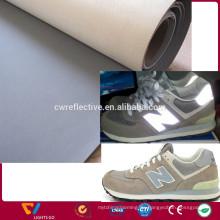 Benutzerdefinierte Silbergrau wasserdicht 0,6 mm Abriebfestigkeit reflektierende PU-Leder-Stoff zum Nähen Schuh