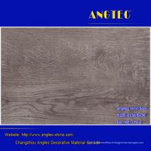 Le plancher en plastique ressemble au plancher en bois de vinyle de 5mm