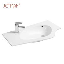 ovales Design des Waschbeckens aus Keramik
