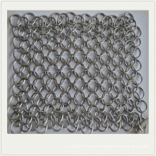 Stainless steel round cast iron cleaner chainmail scrubber