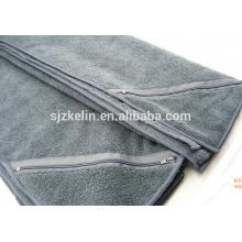 toalha de ginástica com bolso com zíper