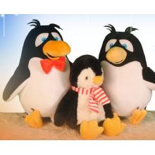 Glückliche Pinguinfamilie Plüschspielwaren