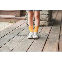 Süßigkeit-Farben-kleine Mädchen-Baumwollsocken helle Farben gute Qualität