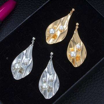 Fashion New Geometric Simple Temperament Metal Folds Shell Pearl Earrings Eardrop Dangler Beautiful Jewelry Gift For Women