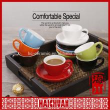 Red Solo Cup Espressotasse und Untertasse