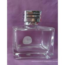 Bouteille de parfum de verre de forme de rectangle de 100ml avec le chapeau argenté