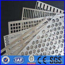 13.6mm Thick Perforated Metal Mesh