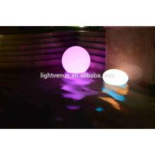 30cm RVB étanche natation boules de billard éclairage / solaire et batterie exploitaient LED boule flottante