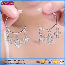 Boucle d'oreille de bijoux en strass personnalisés