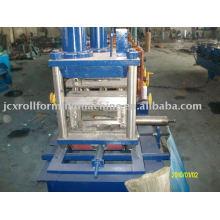 Machine de formage de rouleaux de purlin C / Z