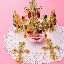 Hochwertige Braut-Jäten-Tiara-Art- und Weisecharme-24k Goldkrone und -Tiaras