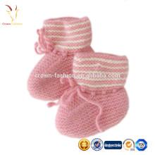 Bottillons / chaussures en cachemire tricotés à la main pour bébé