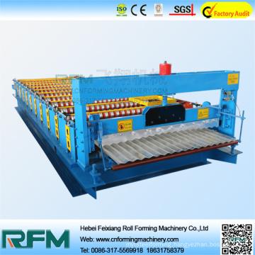 Corrugated metal roof panel forming machine on slae