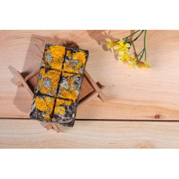 Schokolade Typ PU Er Tee mit goldenen Chrysantheme Blume Geschmack in Geschenkbox