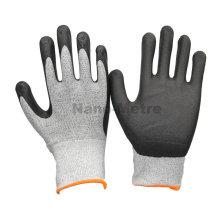 NMSAFETY nuevos guantes mecánicos de seguridad exportan 13g de nylon negro y UHMWPE blanco recubierto de negro de alta tecnología de espuma de nitrilo en la palma