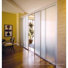 Limpar / manchado a folha do vidro, vidro da porta de armário da cozinha