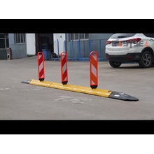 Rubber Road Lane Separator System With Delineator Panel
