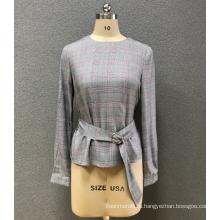 женская блузка с круглым вырезом