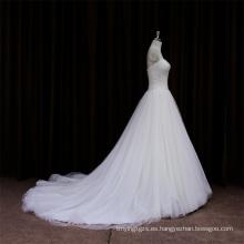 Más elegante vestido de novia de satén con rastreo