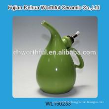 Modernes Design grüne Olivenöl-Flaschen, Keramik-Öl-Flasche mit einzigartiger Form