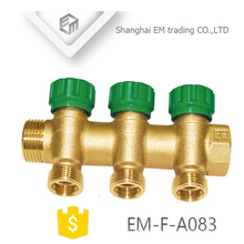 EM-F-A083 Brass male union three way manifold underfloor heating pipe