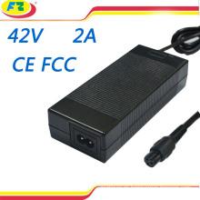 CE cargador eléctrico de la bicicleta de la FCC 42v 2a adaptador de la energía para 2 rueda hoverboard auto balanceo scooter eléctrico