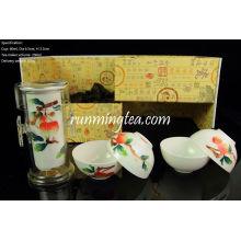 Jingdezhen Lychee Hand-painting Easy Tea-maker & Four Cups, dans un coffret cadeau