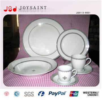 Plato simple de la porcelana del logotipo de encargo del diseño simple para el uso casero