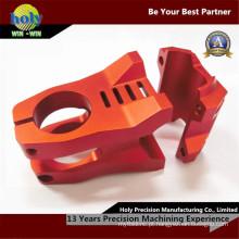 O alumínio feito sob encomenda do CNC da haste da bicicleta parte as peças de trituração de anodização vermelhas do CNC