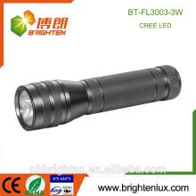 Vente en gros d'aluminium à allumage en aluminium à faible portée portable portable portable La plus puissante 3w Cree lampe de poche nouvelle torche
