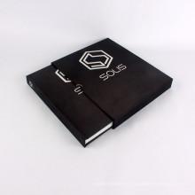 Изготовленные на заказ черные ткани книга в твердом переплете с картонной коробке