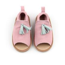 Nieuwe collectie roze lederen kinder sandalen