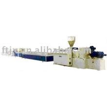 PVC прессуя пластичная производственная линия профиля WPC профиль производственной линии