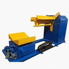 Máquina automática del desenrollador del desbobinador hidráulico con el coche