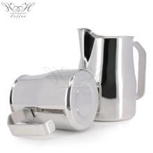 Águia boca design leite jarro fumegante jarro