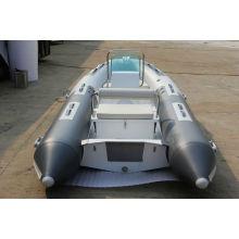 barco de la costilla superior remando en bote inflable RIB360 con CE