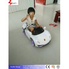 Voiture télécommandée avec Flash Light Kid Baby Car