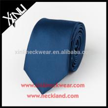 Perfekte Knoten 100% handgemachte Woven Design Ihre eigene blaue Seidenkrawatte