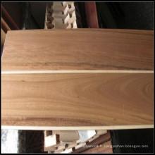 Plancher de bois noir contrecollé