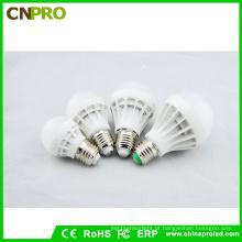 Luzes baratas do bulbo 3W das ampolas do diodo emissor de luz de E27 E14 B22