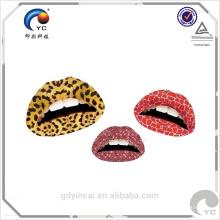 Maquiagem orientada para lip gloss tattoo (body tattoo branches)
