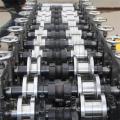 Leichte Kielrolle, die Maschine bildet