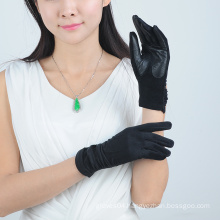 Women Handmade Cheap Wool Gloves with Black Leather on the Palm