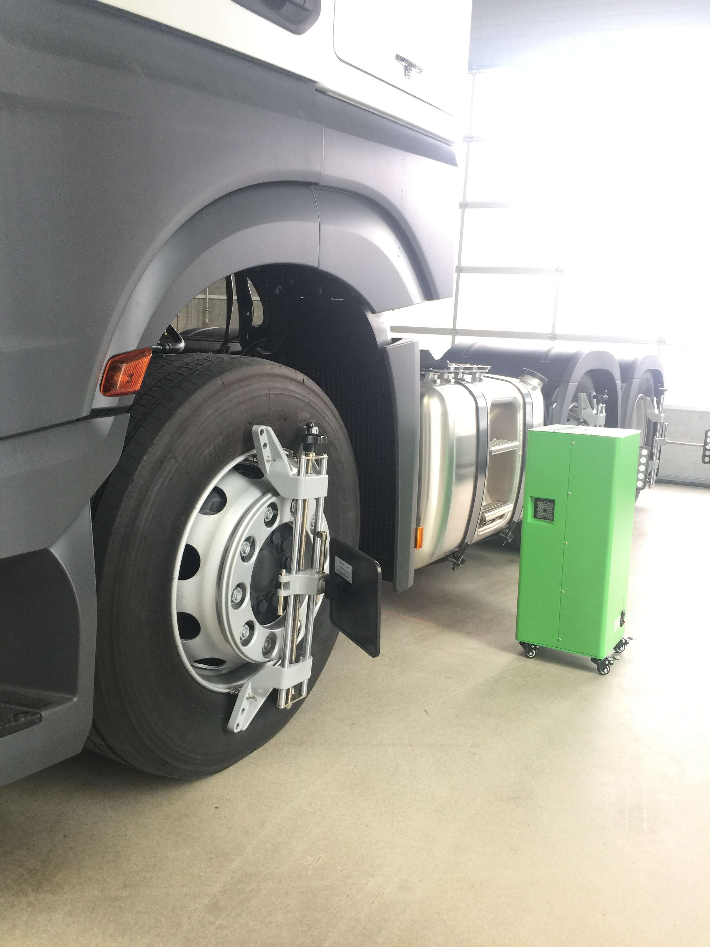 5d Truck Wheel Alignment