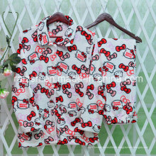 Startseite Kleidung Bademäntel Pyjamas