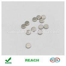 tour des vêtements de boutons magnétiques pour le revêtement nickel