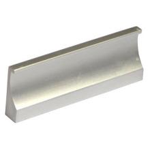 Poignée en alliage d'aluminium oxydé utilisé par Hall